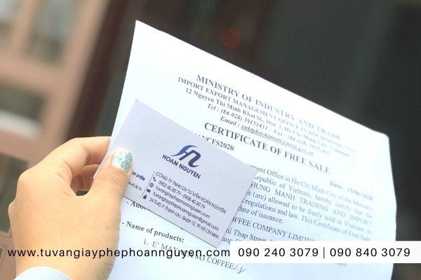 Đăng ký giấy chứng nhận lưu hành tự do tại Bộ Công Thương (Ảnh HOÀN NGUYÊN)